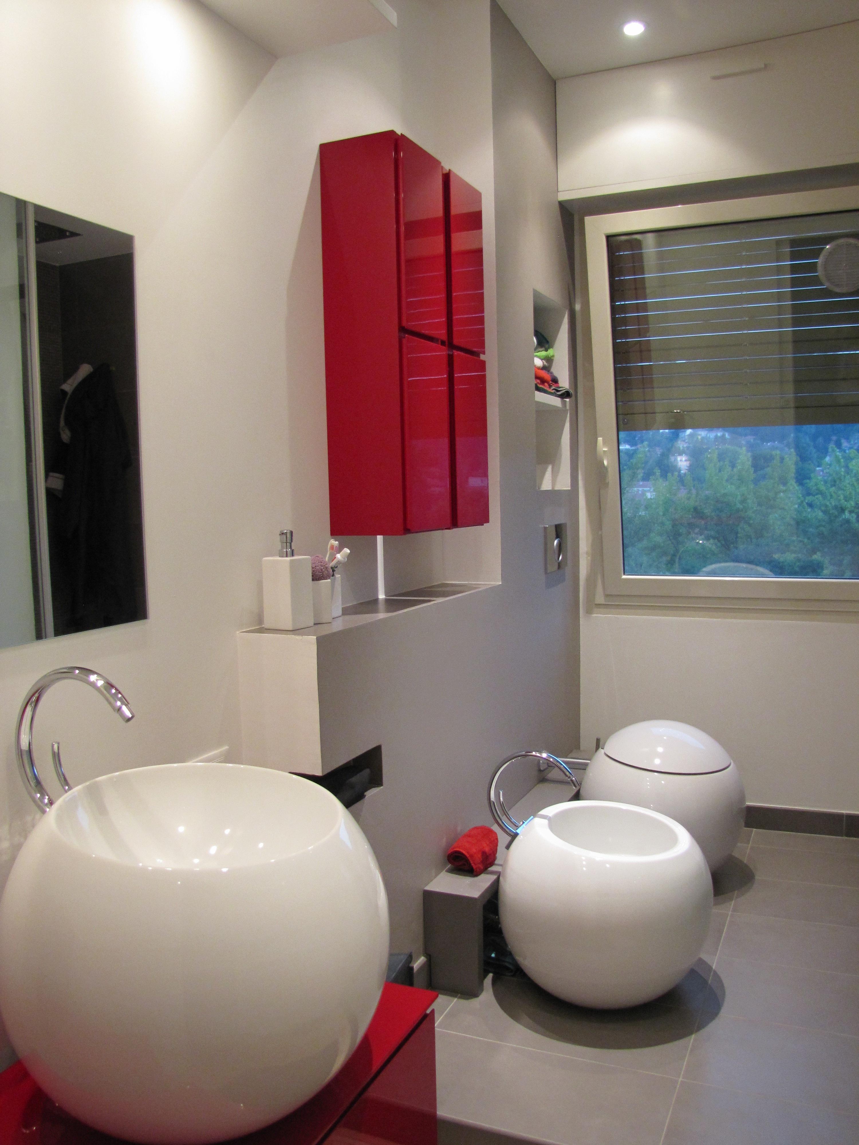 Bagno Moderno Con Gradino.Tporte Da Interni Cuneo Bagni In Marmo Cuneo Lavabi